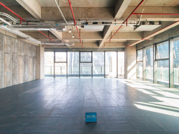 地铁出口 前海香缤大厦 297平米可备案 中层精装修写字楼出租