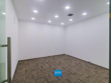 恒扬商业中心低层 70平米有地铁 使用率高拎包入驻写字楼出租