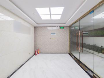 创新科技广场一期 828平米 精装修 中层 甩售