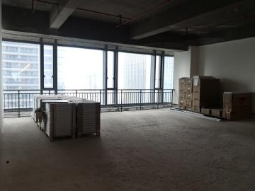 163平米前海华润金融中心 中层地铁口 红本在手随时入驻