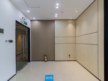 地铁出口 宏发前城中心 372平米装修好 中层诚心出租写字楼出租