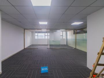 135平米世宏大厦 中层有地铁 配套成熟价格好写字楼出租
