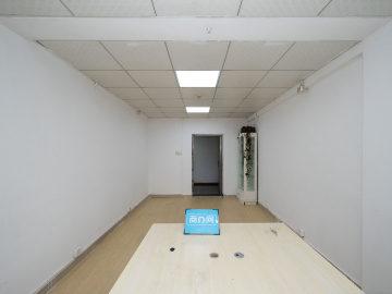 宝安外贸大厦 29平米 有地铁使用率高 中层舒适办公写字楼出租