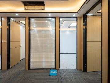 地王大厦 139平米 地铁口配套完善 高层随时看房