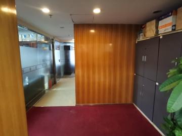 金丰城大厦 809平米 步行可达适合自用 高层装修好