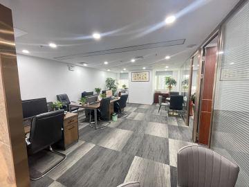 步行可达 嘉里中心 118平米直租 中层精装修写字楼出租