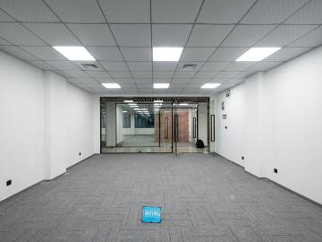 八卦岭工业区 150平米 地铁口配套成熟 高层看房方便写字楼出租