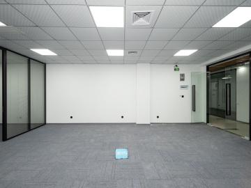 八卦岭工业区高层 150平米有地铁 地段优越钥匙在手写字楼出租