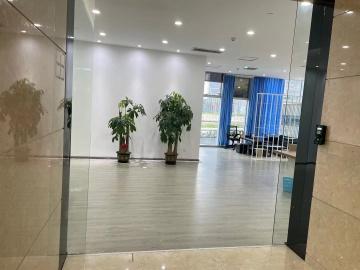 鸿隆世纪广场低层 356平米紧邻地铁 商业完善随时看房