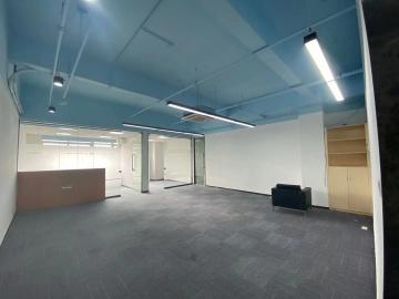 243平米坂田国际中心 中层可备案 精装修专业服务写字楼出租
