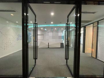 京基滨河时代广场北区(二期A座) 669平米 沿地铁正电梯口 中层装修好写字楼出租