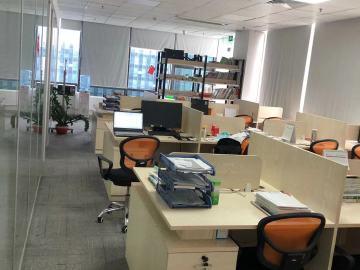 沿地铁 天安云谷 229平米红本备案 高层企业聚集地写字楼出租