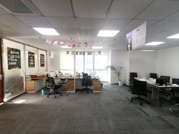 创新科技广场一期中层 230平米可备案 装修好诚心出租写字楼出租