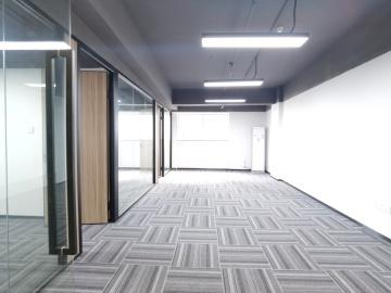 配套成熟 坂田国际中心 124平米免佣 中层钥匙在手写字楼出租