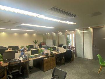 278平米大中华国际交易广场 中层临地铁 红本备案一手业主写字楼出租