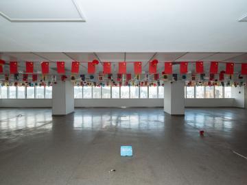 1833平米新闻大厦 高层地铁出口 可备案大面积写字楼出租