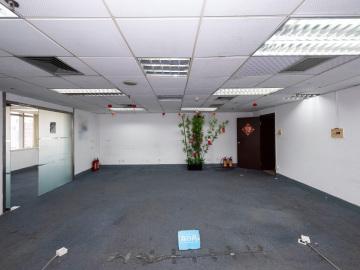 130平米新闻大厦 中层有地铁 一手业主位置优越写字楼出租