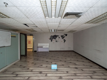 新闻大厦低层 126平米步行可达 红本备案位置优越写字楼出租