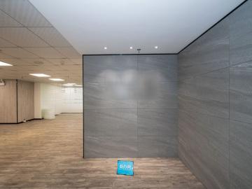 364平米新闻大厦 中层沿地铁 使用率高企业聚集地写字楼出租