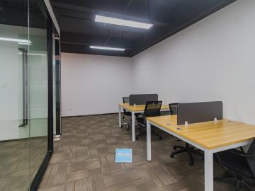 红本备案 银田工业区 84平米装修好 中层钥匙在手写字楼出租