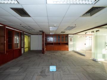 新闻大厦低层 124平米有地铁 可备案使用率高写字楼出租