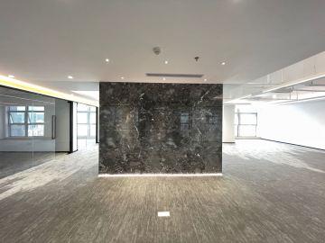512平米华融大厦 高层紧邻地铁 配套完善优选办公