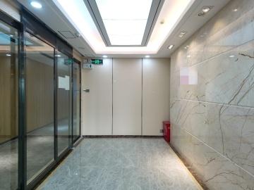 310平米卓越大厦 中层地铁口 电梯口配套完善
