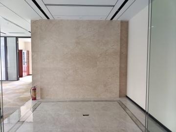 426平米诺德金融中心 中层步行可达 电梯口精装修写字楼出租