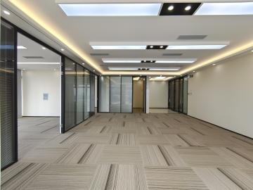 可备案 易尚中心 236平米精装 中层随时看房